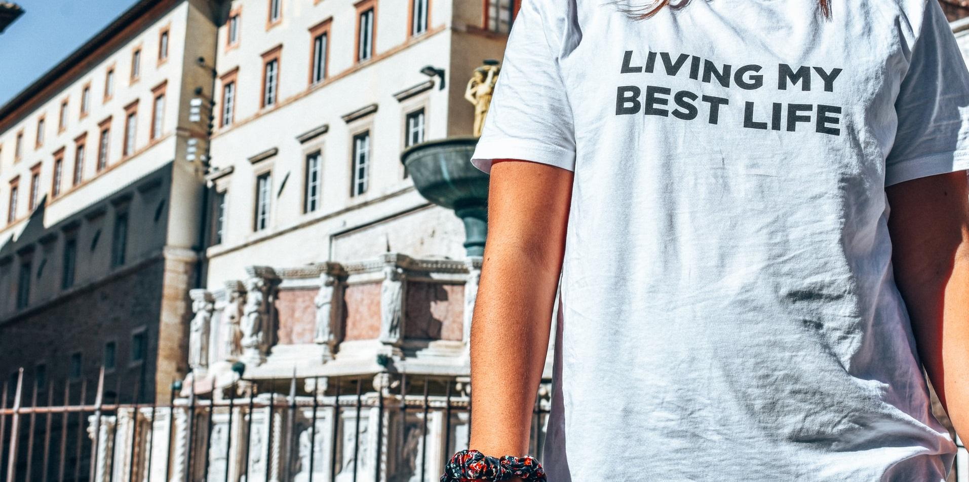 Produkcja jednej koszulki pochłania wodę na 2,5 roku życia - Klimat.rp.pl